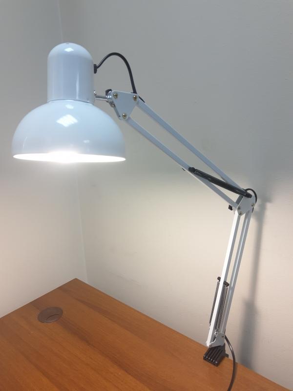 Настольная лампа для маникюра (белая)